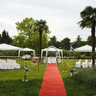 Wedding ceremony in the Mediterranean park